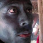 ナスディレクターの顔の色は番組のやらせ?現在は黒いのが取れた?【ナスd】